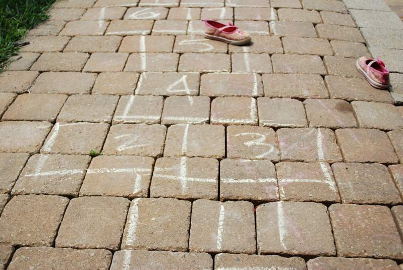 games-to-play-2m-apart-hopscotch